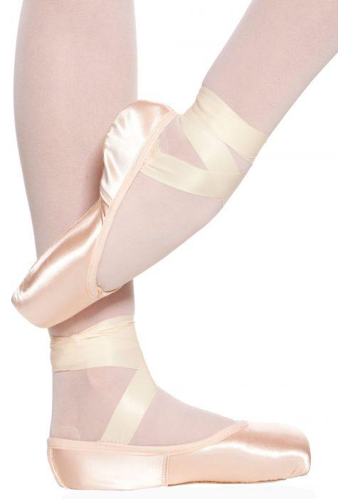 Suffolk Spotlight pointe shoe ballet shoe